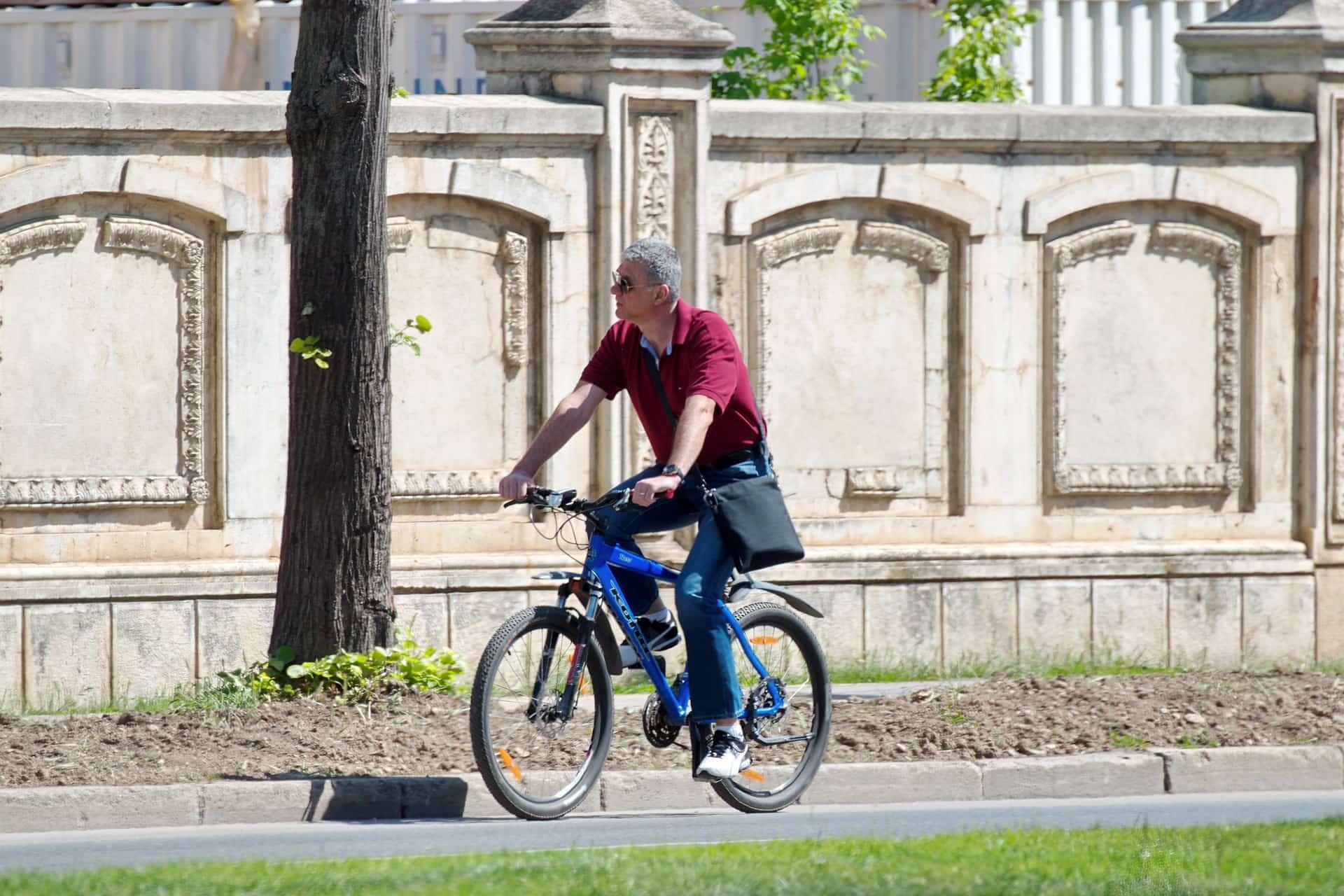 Le gouvernement veut développer les infrastructures cyclables pour inciter les français à se déplacer en vélo