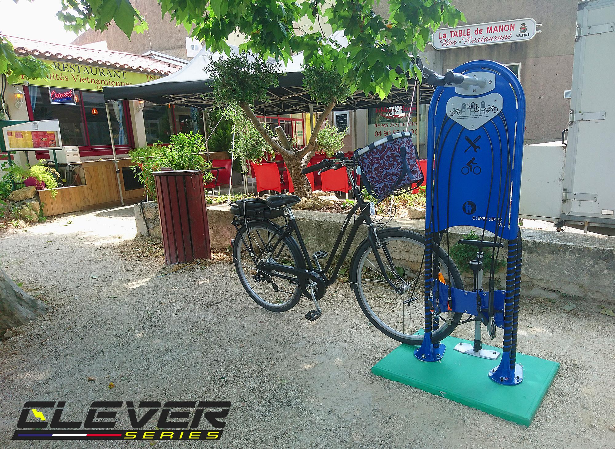 Nouvelle borne de réparation vélos en libre-service pour la ville de Pélissanne.