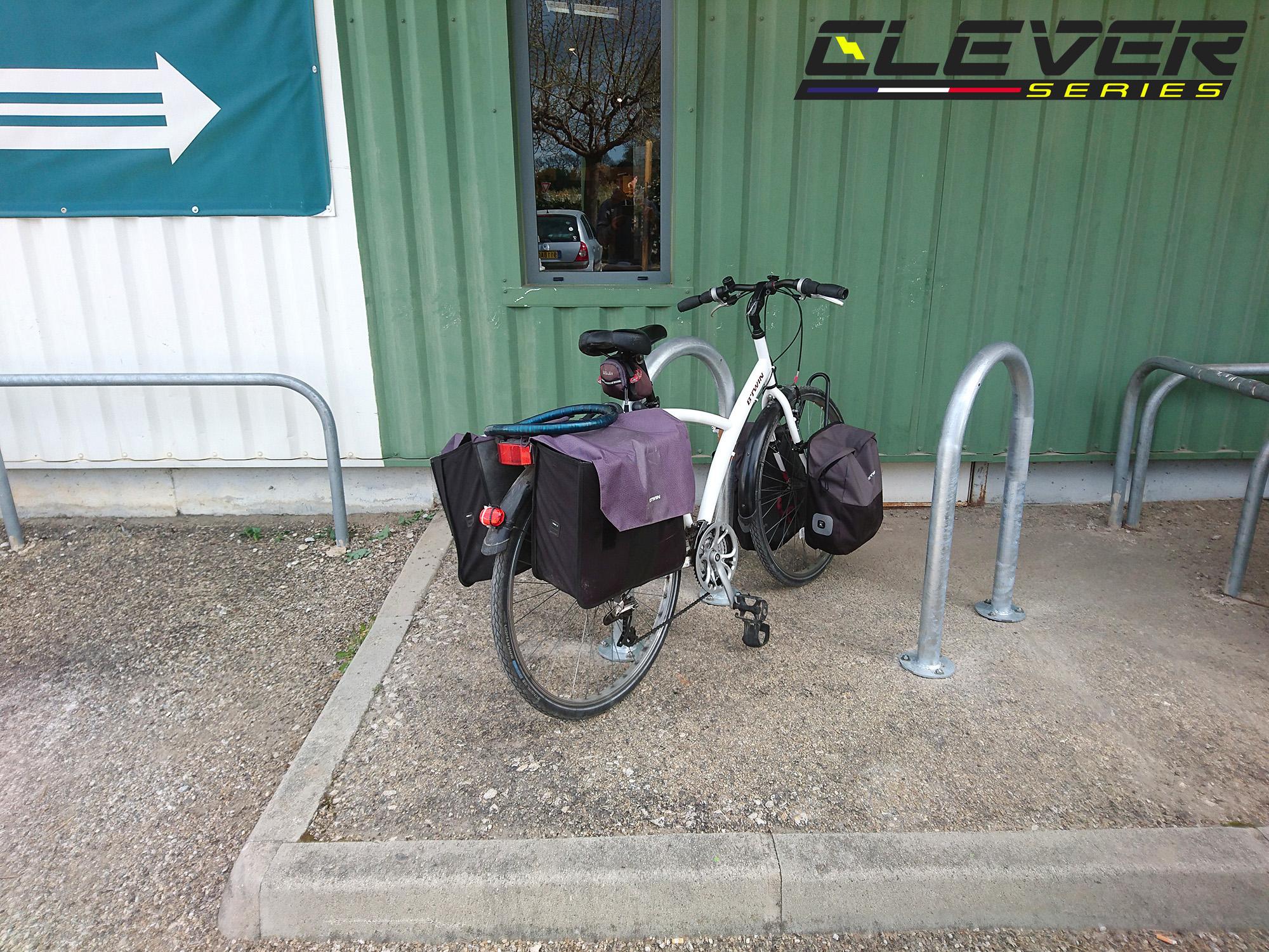 Nous avons solutionné le stationnement des vélos pour ce magasin.